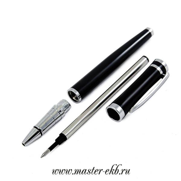 Ручка черная с колпачком с гравировкой